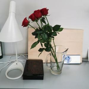 家の整理をするときには、まず花を置いてみるのはどうでしょう