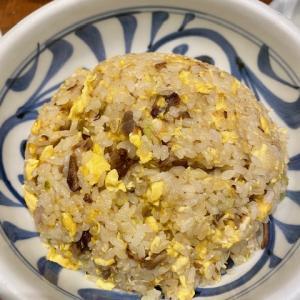 赤坂一点張にて、炒飯 中盛、餃子を食す