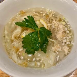 中華そばムタヒロ国立店にて、帆立と鶏の冷やしワンタン麺、チャーシュー丼を食す