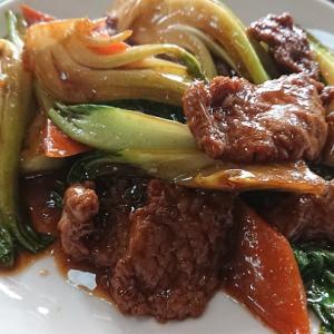 上町 北京飯店牛肉と青梗菜の炒め物