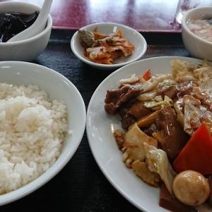 上町北京飯店 牛肉と八宝菜炒め