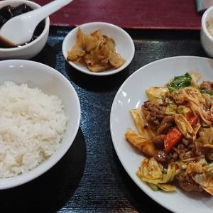 上町北京飯店 牛バラ肉とキャベツの中華炒め