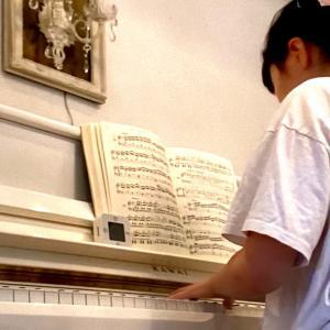 日常の感動をピアノ演奏に。