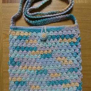 玉編みのポシェット