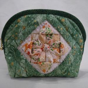 折り紙キルトのお花のポーチ