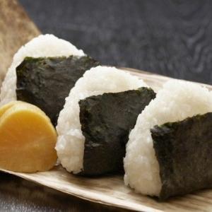 おにぎり早食い競争の参加者がおにぎりを喉に詰まらせ死亡。滋賀県