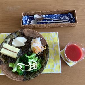 『マルセイバターケーキ』で朝食