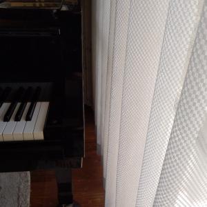 ピアノ位置を少し変えてみました