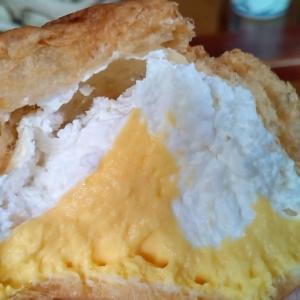 ひかえめに言ってクリーム多めのシュークリーム