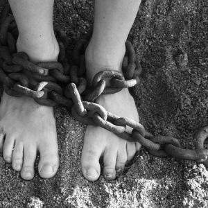 あなた、知らないうちに社畜思想=会社の奴隷になっていますよ。