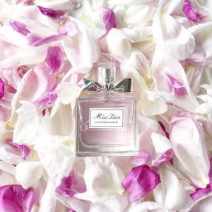 やっぱりお得なコンビニのお花(芍薬)を使ったオシャレ写真