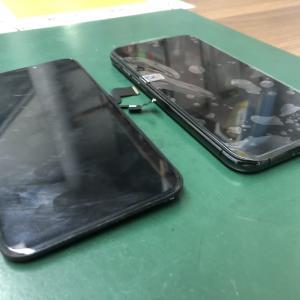 iPhoneXSのフロントパネルを交換!! 画面不良だとロックがかかってしまいます・・・