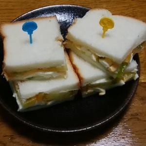 自家製きゅうりとトマトでサンドイッチ(^_-)-☆