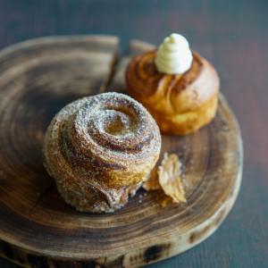 トリュフベーカリーの賞味期限5時間の「生搾り」チョコのクリームパン