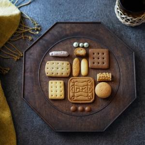 村上開新堂のクッキー缶