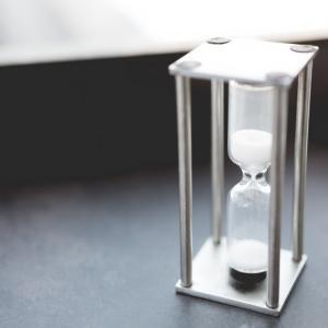 宇宙の定番の疑問の一つ「時間とは何か」を考えてみた