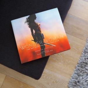 映画『Wonder Woman』のアート&メイキング本を手に入れました。Wonder Woman: The Art and Making of the Film