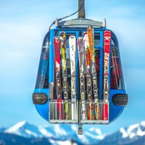 不要なスキー用具の回収