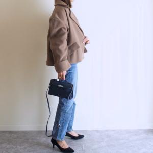 デニムコーデも綺麗目にまとまる!Tottieのブルーのバッグを使った今日のコーデ