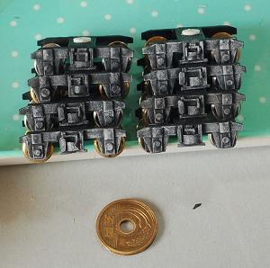 木と紙で台車を作る(塗装2)仕上げ完成へ・・・