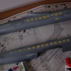 エレール1/72ダグラスC-118リフトマスター(DC-6)を作る(もう一度パテ盛り)