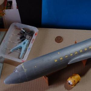 エレール1/72ダグラスC-118リフトマスター(DC-6)を作る (胴体下地加工修正完了)