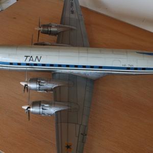 エレール1/72ダグラスC-118リフトマスター(DC-6) 完成写真 2