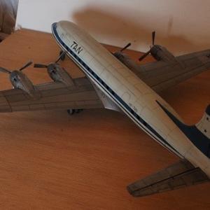 エレール1/72ダグラスC-118リフトマスター(DC-6)完成写真3