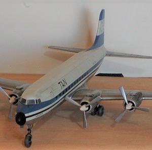エレール1/72ダグラスC-118リフトマスター(DC-6) 完成写真 4