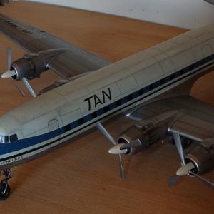 エレール1/72 ダグラスC-118リフトマスター(DC-6) 完成写真5