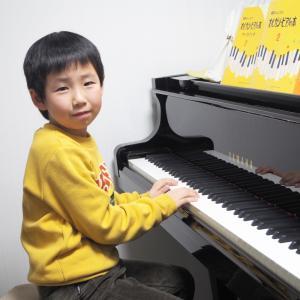 ピアノ男子♪