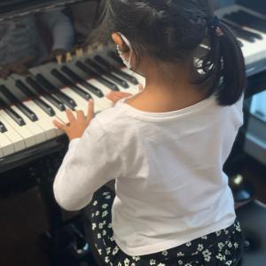 いろいろなピアノで弾けるから自信がつく♪