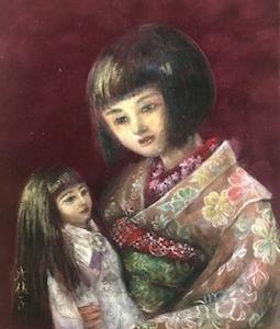 人形のような少女が人形を抱いている絵