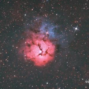 夏本番、三裂星雲