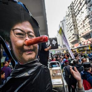 アメリカ香港人権民主主義法案上院可決、トランプさん早くサインして~ 、覆面禁止法高裁が違憲と判断