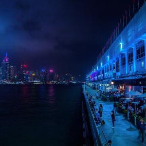 ポストに次々と投げ込まれる要注意人物写真入りトランプ、香港暗黒時代の幕開け?行政長官の恐い発言