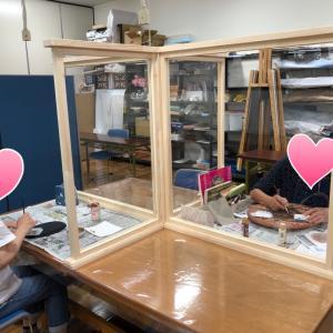 アークオアシスデザインでのデコパージュ教室:ぞうがんの技法とゴールドのステンシル