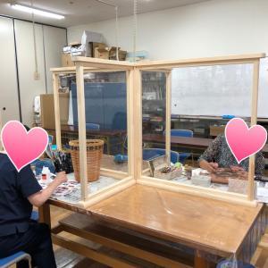 デコパージュ教室:カゴにデコパージュ、ぞうがんの技法
