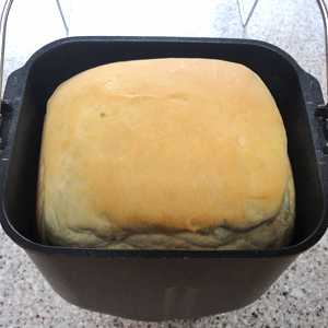 ホームベーカリーでコロンと可愛い食パン?