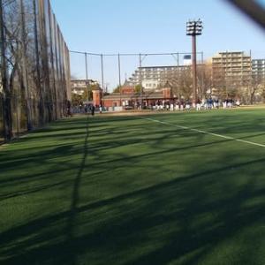 区立公園の野球場では野球の審判技術講習会