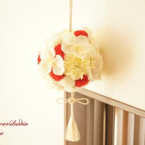 茨木の花嫁様よりボールブーケのご注文をいただきました。