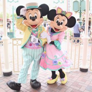 パステルカラーが可愛い! 春らしいお洋服のミッキー&ミニーにご対面