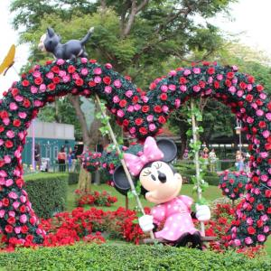 お花に囲まれた夢のお庭♡ 香港ディズニーランドのファンタジーガーデン