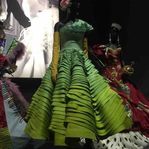 Dior展 - V & A 博物館にて。