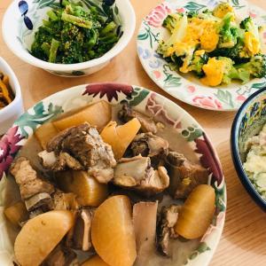 豚スペアリブと大根の中華煮、リア充感じてます