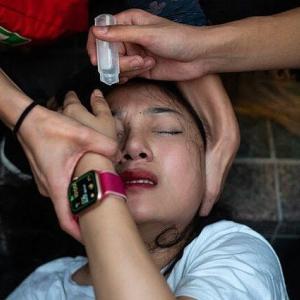 香港警察、デモに参加した少女を集団レイプか 少女は妊娠し中絶