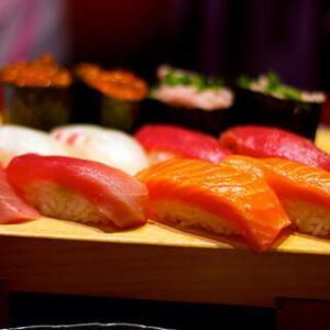 仕事年収 - 寿司職人(修行一カ月)「おかげさまで、予約が半年待ちになるほど繁盛してます」