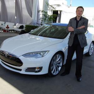経済ニュース - テスラ、既存自動車メーカーの買収を検討か