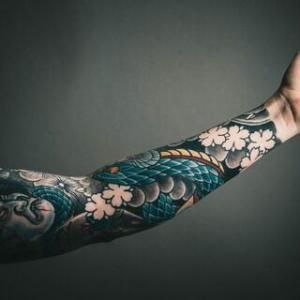 経済ニュース - ワイ、ガチで人生初の刺青を入れてみようと思うんだが…