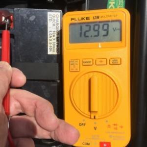 バッテリー上がりの原因究明とレギュレーター交換